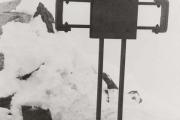 La croix Arlaud au sommet des Gourgs Blancs