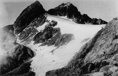 Vue du col des Gourgs Blancs par Maurice GourdonVue du col des Gourgs Blancs par Maurice Gourdon.
