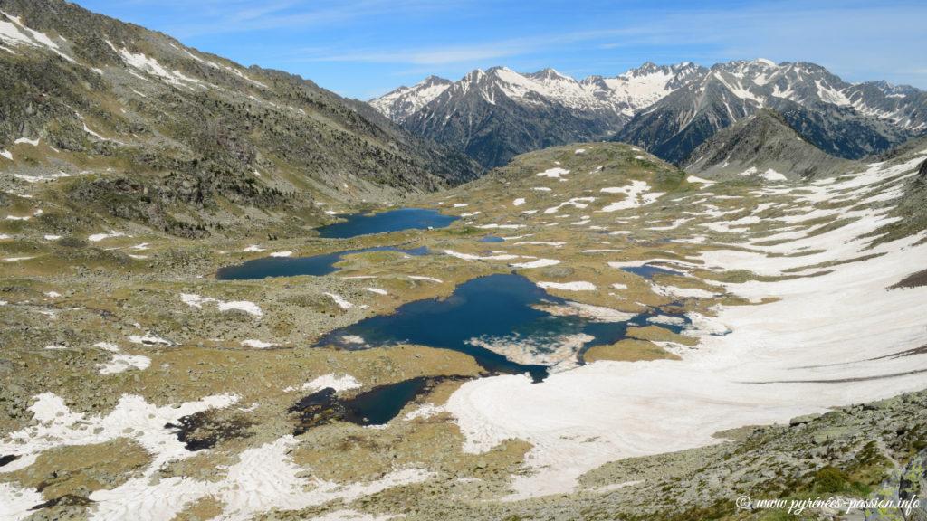 Le vallon des lacs d'Anglios