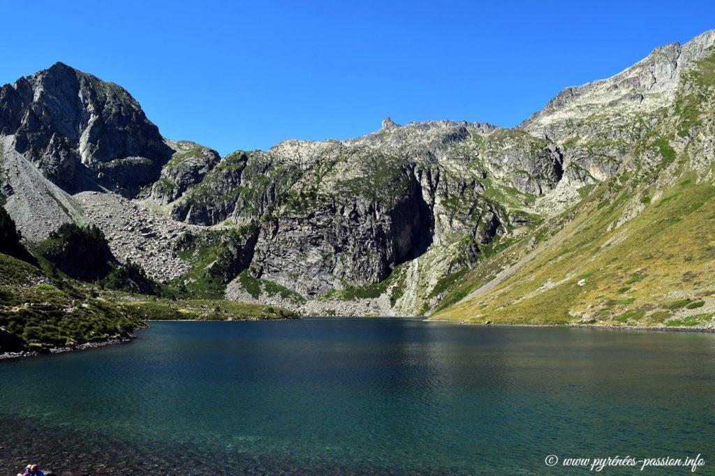 Le lac d'Ilhéou dans les Hautes-Pyrénées