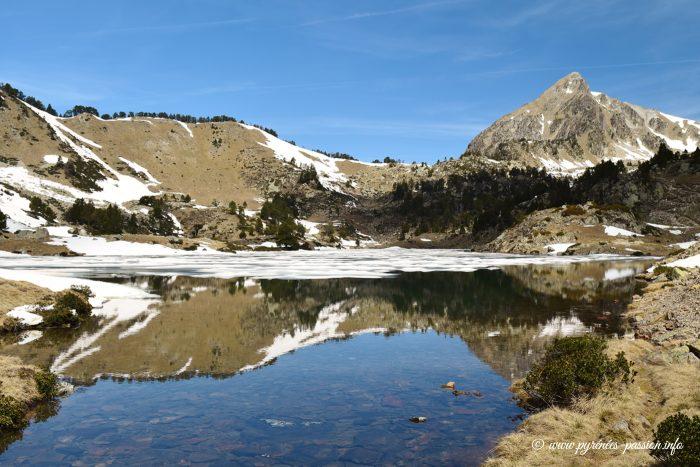 Le lac du milieu de Bastan