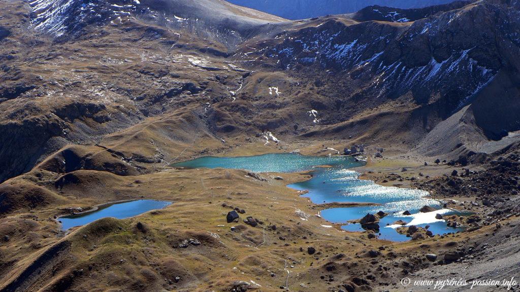 Les lacs de Barroude vues depuis le pic de la Géla