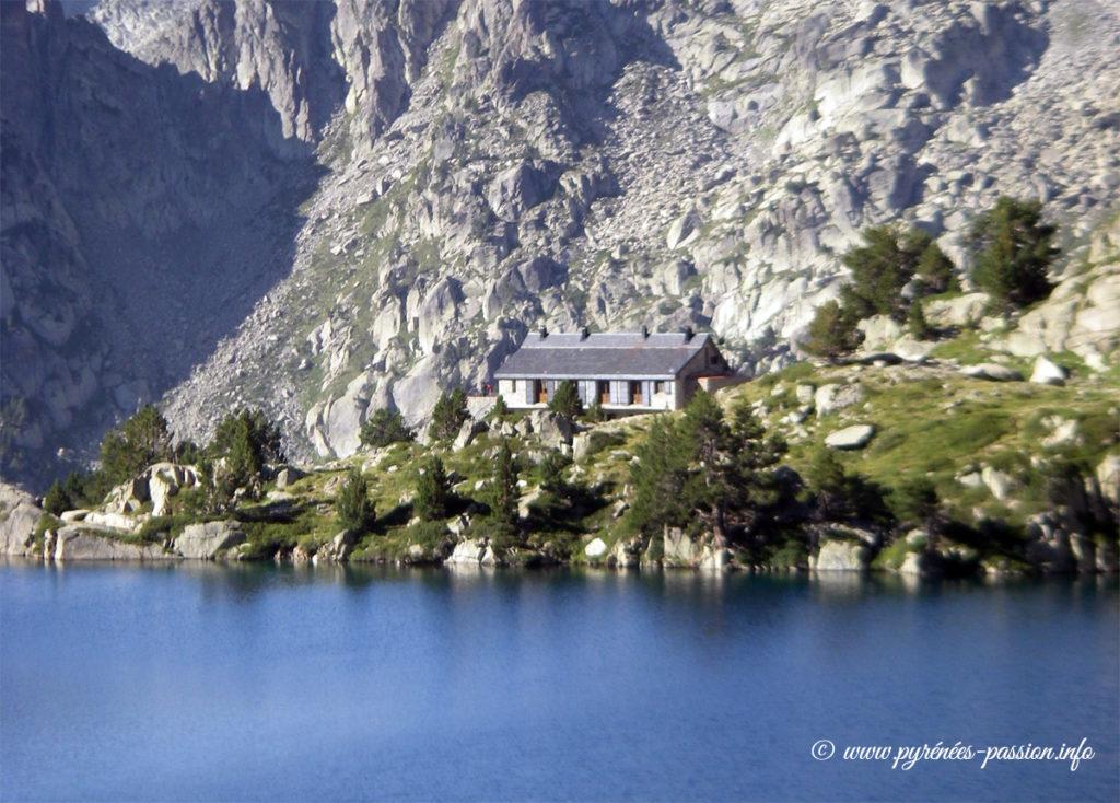 Le refuge d'Amitges - Pyrénées - Massif des Encantats