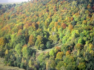 La traversée des Pyrénées en VVT Etape 14 - L'automne est là