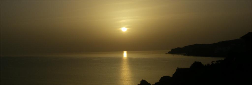 La traversée des Pyrénées en VTT Etape 15 Coucher de soleil sur Banyuls