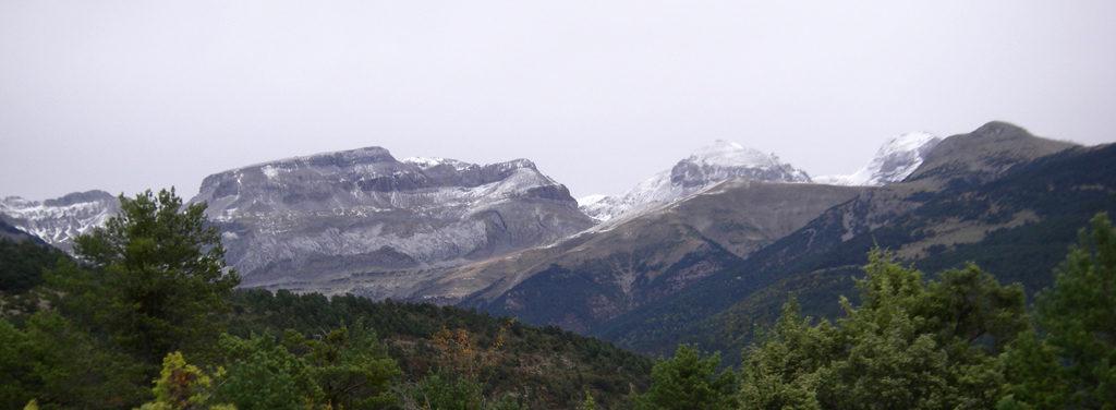 La traversée des Pyrénées en VTT - Etape 4 - Premiéres neige sur les pics d'Aspe